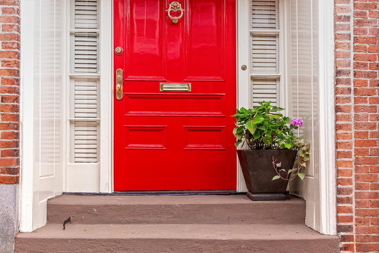 painting front door red